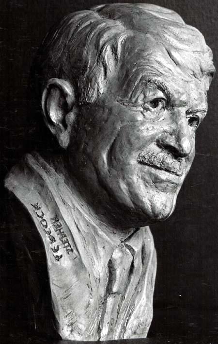 Stephen Leacock bust