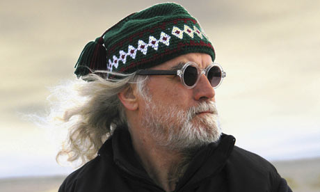 Billy Connolly in hat