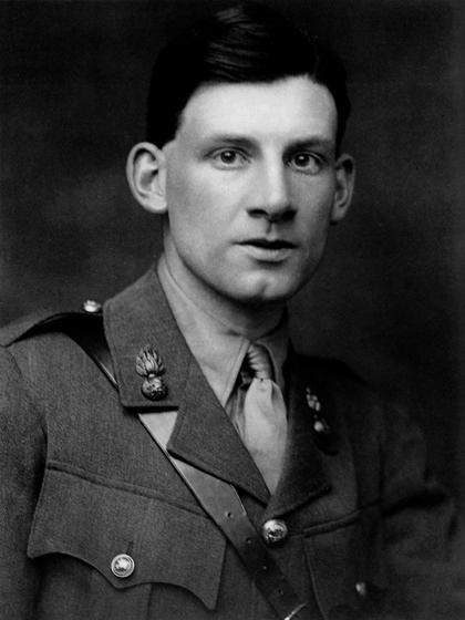 Siegfried Sassoon in military uniform