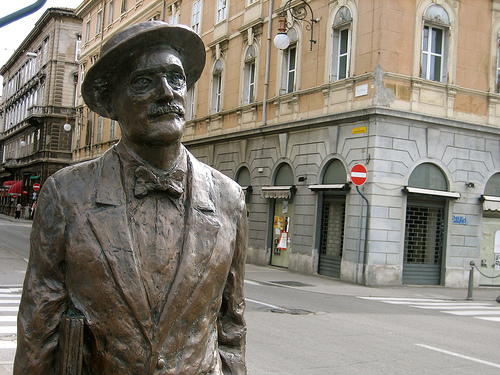 James Joyce statue Trieste Scottpartee