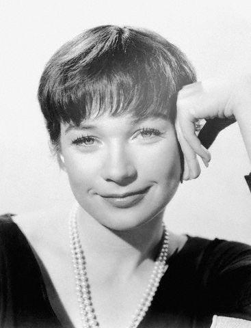 Shirley MacLaine 1960 bw