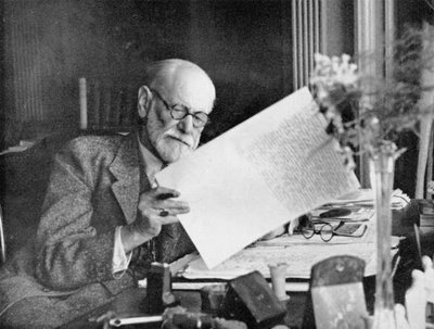 Sigmund Freud reading