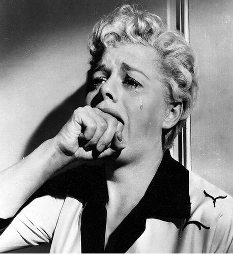 Shelley Winters crying
