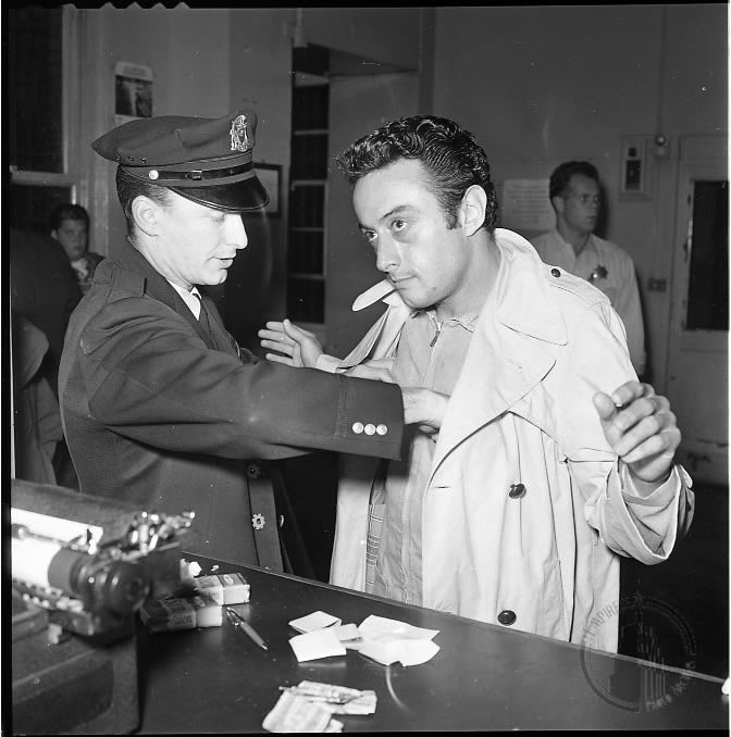 Lenny Bruce arrested by police