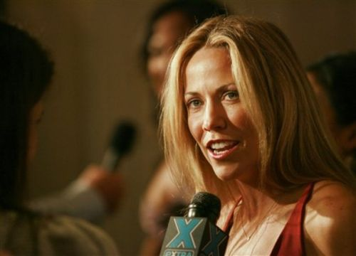 Sheryl Crow doing interview