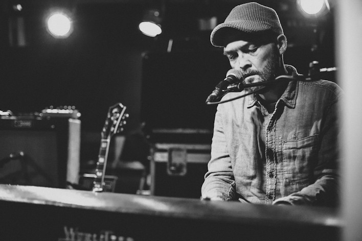 Ben Watt at keyboard