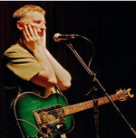 Billy_bragg_at_mike