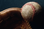 Baseball_glove_and_baseball