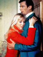 Lynnholly_johnson_and_roger_moore
