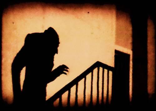 Nosferatu_in_shadow