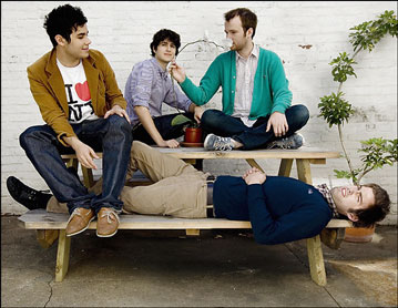 Vampire_weekend_resized