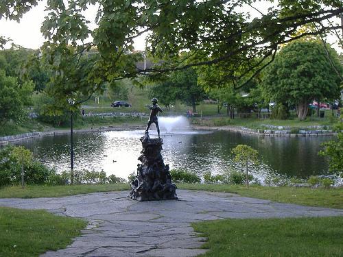 Peter_pan_statue_at_bowring_park_la