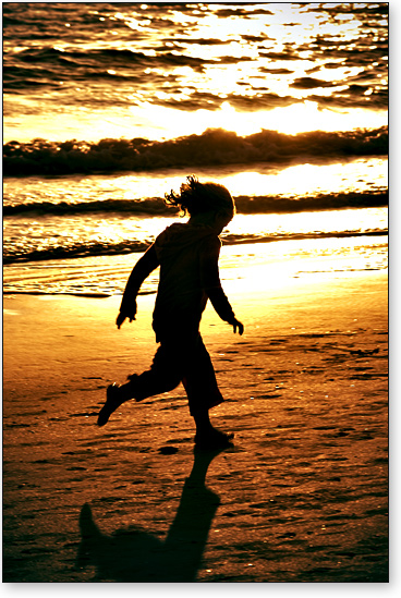 Kim_goodyear_child_on_beach