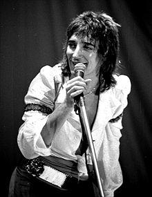 Rod_stewart_circa_1971