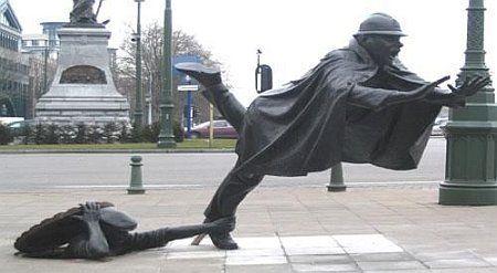 Brussels_statue