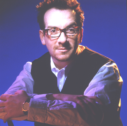 Elvis_costello_seated