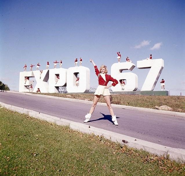 Expo67cheerleaders